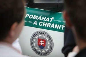 Dohľadu nad bezpečnosťou a plynulosťou cestnej premávky sa policajti venovali aj v 35. týždni.