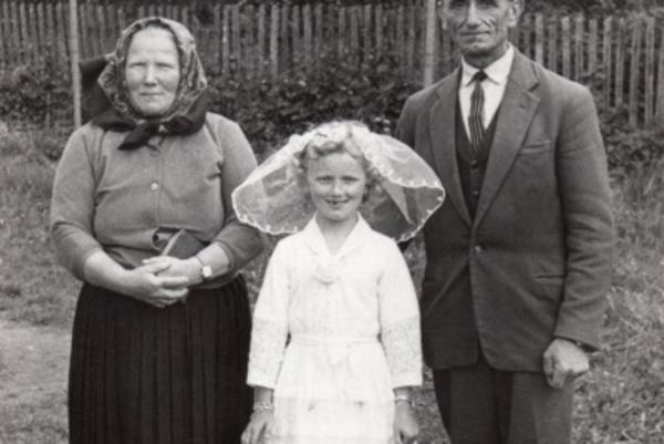 Východniarka. Marika prežila detstvo s rodičmi v Turanoch nad Ondavou.