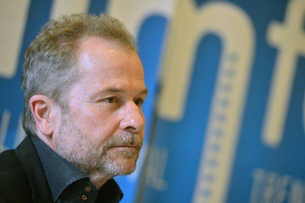 Ulrich Seidl režíroval dokument, v ktorom sa objavila zbierka starožitností obvineného muža.