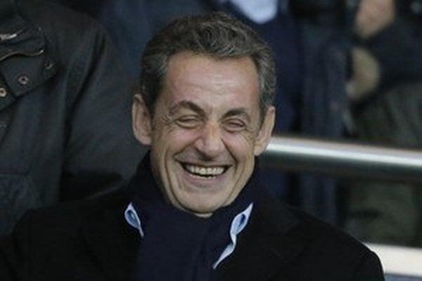 Nicolas Sarkozy (v strede).