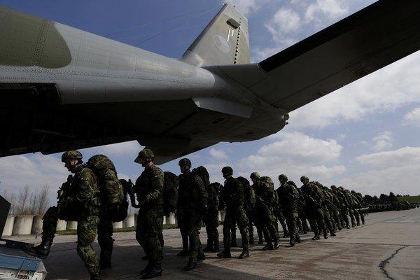 Jednému z najväčších vojenských cvičení NATO v tomto roku, ktorého sa zúčastní okolo 4500 vojakov, bude veliť Čech.