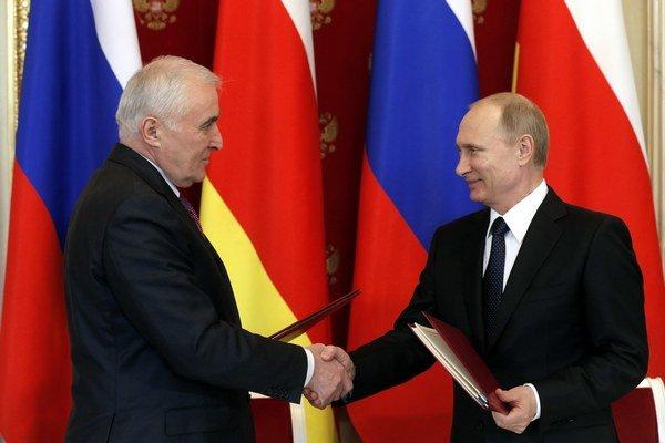 Zmluvu o spojenectve a integrácii podpísali prezidenti oboch krajín.