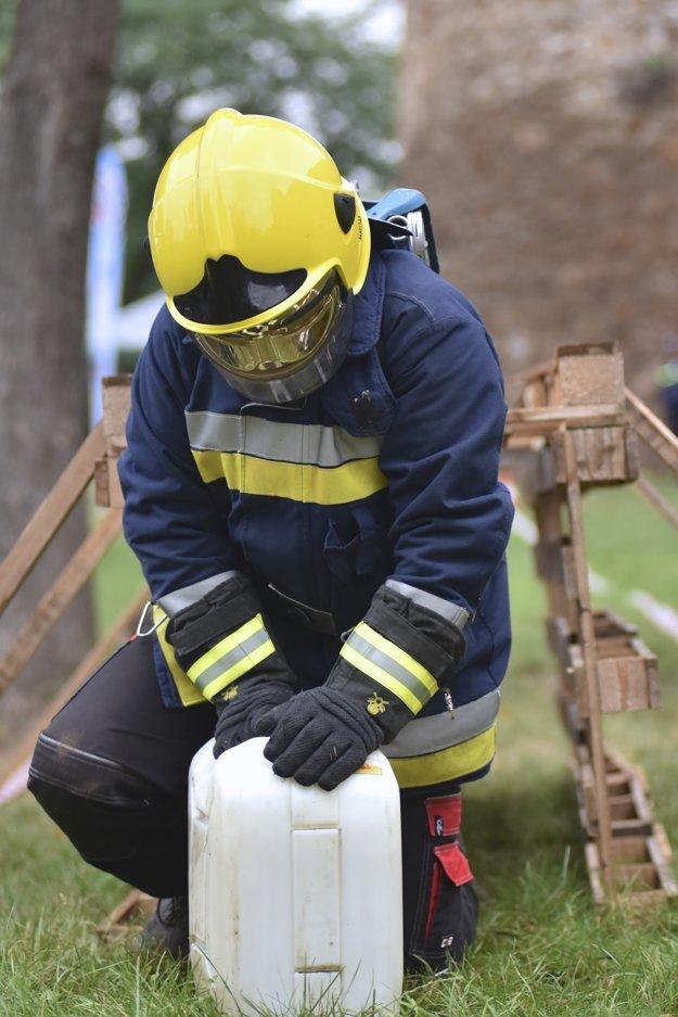 Boj o titul Železného hasiča Novohradu.