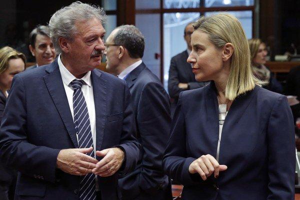 Šéfka zahraničnej politiky EÚ Federica Mogheriniová s luxemburským ministrom zahraničných vecí Jeanom Asselbornom.