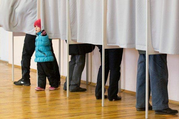 Volebná miestnosť v Tallinne.
