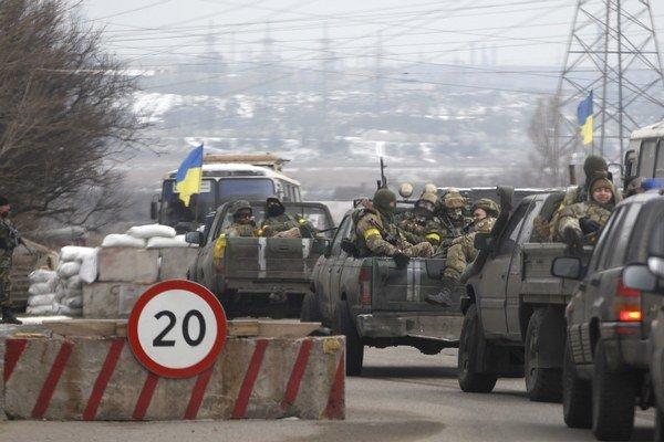 Na ofenzívu pri Mariupole sa pripravujú aj ukrajinské jednotky.