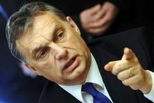 Orbánová strana navrhuje obmedzenie imigrácie.