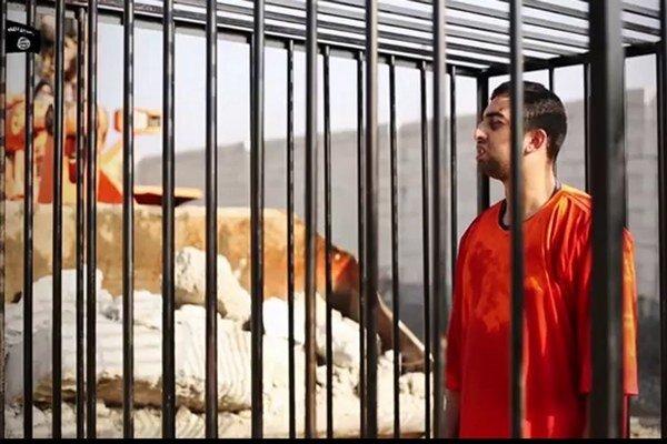 Jordánskeho pilota Islamský štát upálil v klietke.