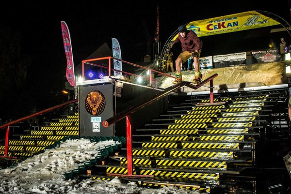 Extrémne výkony snowboardistov sľubujú dokonca prvý sneh tejto sezóny.