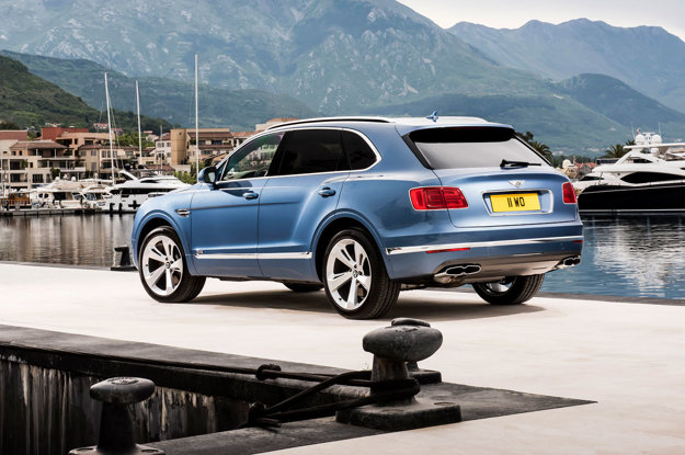 Dieselová verzia Bentley sa líši od benzínovej drobnými modifikáciami.