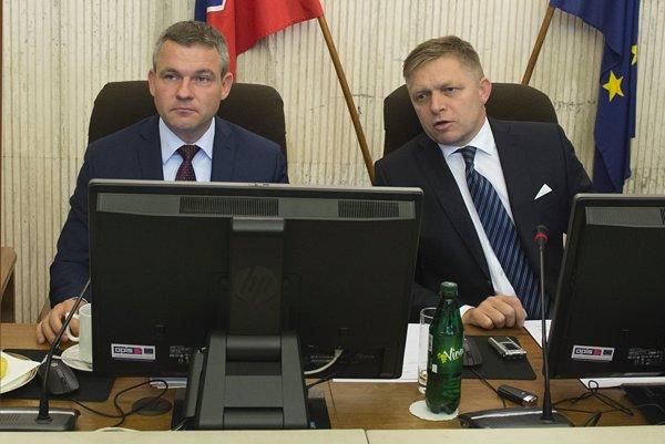 Peter Pellegrini (vľavo) a Robert Fico (vpravo).