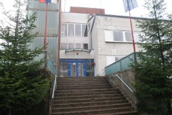 Hasičská stanica v Prievidzi čaká na rekonštrukciu.