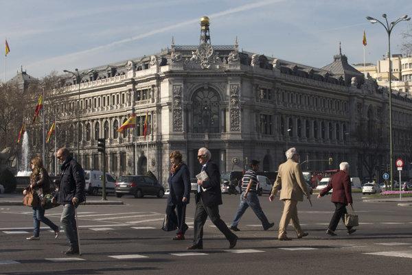 Väčšina Španielov očakáva ďalšiu krízu pred rokom 2023