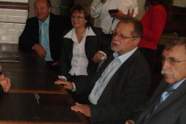 Starostovia sa v Bruseli stretli aj so slovenskými europoslancami.