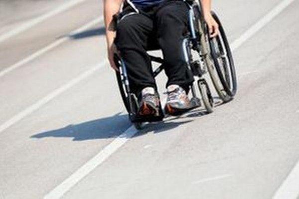 Dotácie na úpravu priestorov pre postihnutých vsebe skrývajú neovplyvniteľný háčik.