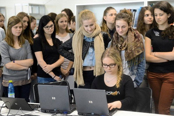 Slovenská technická univerzita a Univerzita Komenského sa aj vďaka novým kritériám dostali medzi 800 najlepších svetových univerzít.