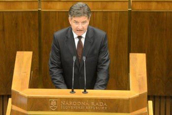 Minister zahraničia Miroslav Lajčák počas 54. schôdze Národnej rady.