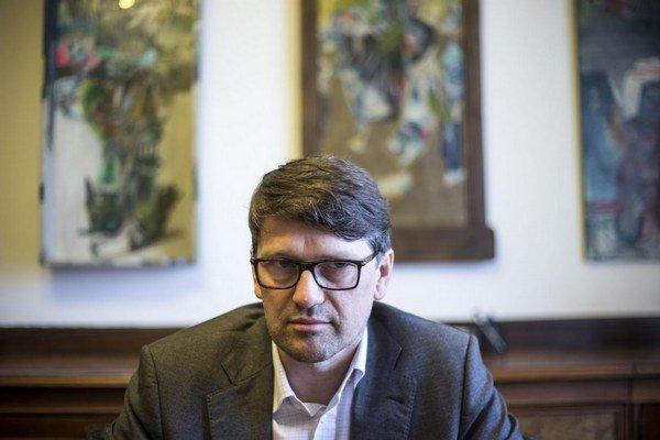 Polícia začala vyšetrovať podnet ministra kultúry Mareka Maďariča týkajúci sa vývozu sochy Giana Lorenza Berniniho do zahraničia.