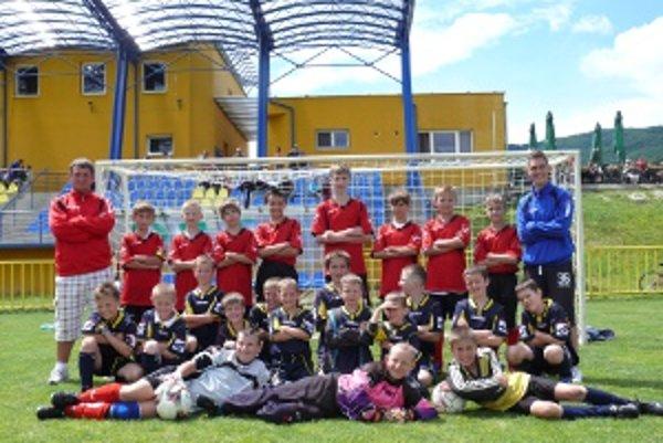 Žiaci FK Junior Kanianka sa tešili zo športového zážitku.