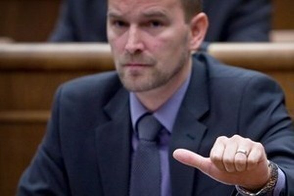 Jozef Viskupič si vie predstaviť, že by reklama na alkohol a cigarety úplne vypadla z vysielacieho času televízií.