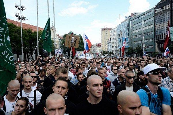 Zhromaždenie na bratislavskom Námestí SNP.