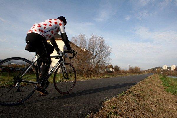 Poslanci chcú svojou novelou podporiť cyklistiku a budovanie cyklotrás.