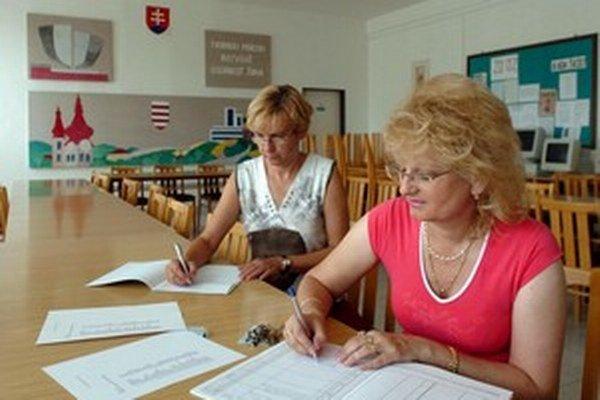 Učitelia dnes musia veľa písať.
