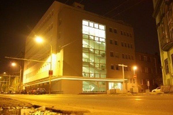 Do funkcie nastupujú poslední dvaja úspešní uchádzači o posty šéfov krajských prokuratúr v Trnave a v Žiline.