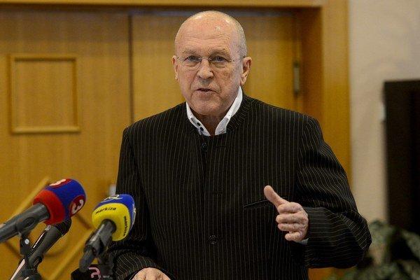 Polícia obvinila Viliama Fischera z korupcie 6. februára.