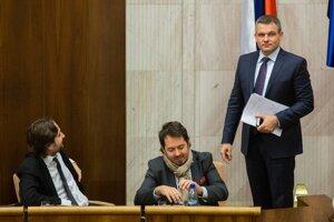 Nový predseda parlamentu Peter Pellegrini (vpravo).