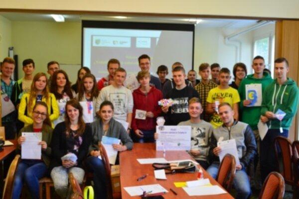 Študenti Spojenej školy v Kysuckom Novom Meste pátrali po zaujímavostiach o Európskej únii