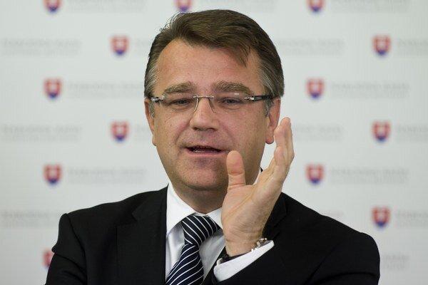 Uhliarik v pondelok hovoril o predraženom prístroji v Košiciach.