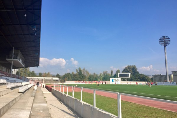 Rekonštrukcia na futbalovom štadióne začína. Tento rok vymenia trávnik a opravia starú tribúnu.