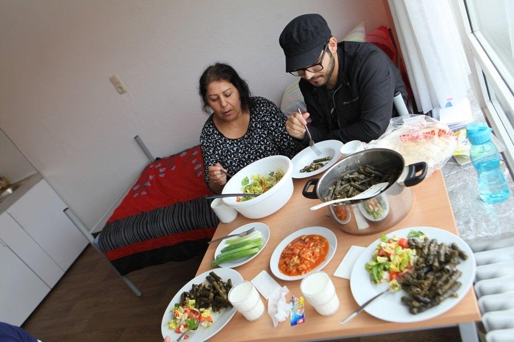 Masúdova mama pripravila tradičné kurdské jedlo japrag.