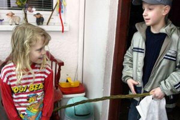 Šibačka je obľúbená hlavne u detí a mladých ľudí.
