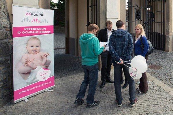 Aliancia za rodinu bola pri zbere aktívna, na zozbieranie 400-tisíc podpisov im stačilo päť mesiacov.