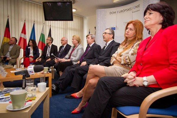 Slovenskí europoslanci.
