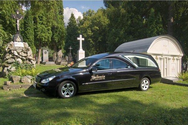 Auto, ktoré povezie prezidenta na poslednej ceste.