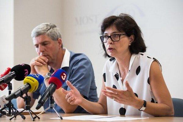 Predseda strany Most-Híd Béla Bugár a podpredsedníčka Lucia Žitňanská.