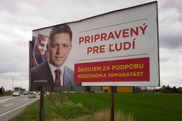 Fico pred druhým kolom ďakoval na juhu po maďarsky.