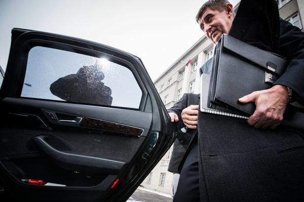 Chemičke Duslo Šaľa, ktorá patrí českému vicepremiérovi Andrejovi Babišovi, štát odklepol pomoc. Utajovanie podrobností je nezákonné.