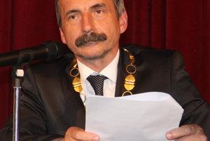 Primátor Dušan Husár prekvapil. Jeden jeho podpis ho môže vystaviť trestnému stíhaniu.