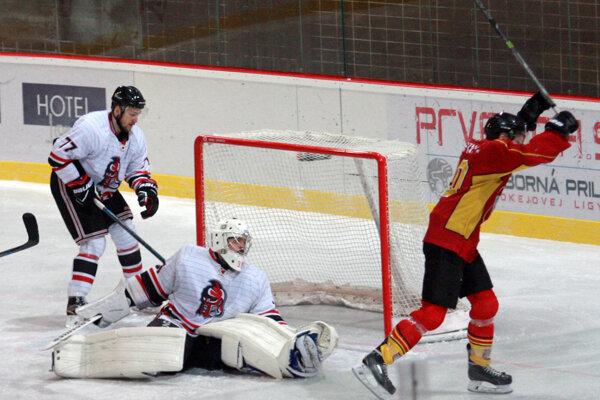 V prestrelke s Topoľčanmi ťahali trnavskí hokejisti za kratší koniec.