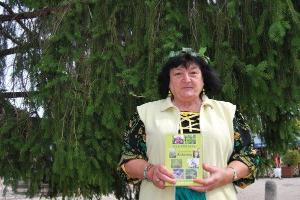 Bylinkárka ponúka stovky liečivých receptov.