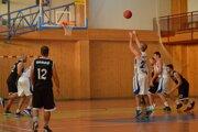 Zápas 2. ligy v basketbale MSK BO Holíč - BK Lokomotíva Sereď 94:74.