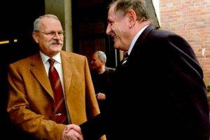 Odvrhnutý člen HZDS sa prekvapivo stal prezidentom.