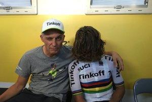 Mali neobyčajný vzťah. Cesty Tiňkova (vľavo) a Sagana sa rozchádzajú.
