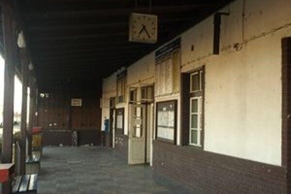 Stanica v Prievidzi sa zatiaľ meniť nebude.