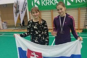 Sestry Mrázové (vľavo Tamara, vpravo Terézia) reprezentovali vSlovinsku.