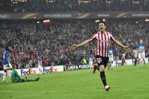 Aritz Aduriz strelil všetkých päť gólov svojho tímu.
